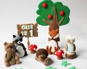Woodlands fondant cake topper set. Forest cake topper. Forest fondant animals. Woodlands party set.