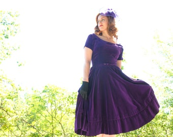 Vintage purple velvet 1950s dress, XS S, velveteen