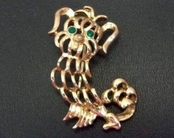 1972 Avon Pekingese Brooch New In Box Green Rhinestone Eyes Gold Metal Pekingese Pin Collectible Pekingese Jewelry Dog Show Jewelry DD 1062