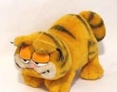 1981 Vtg Garfield The Cat Walking Plush Animal