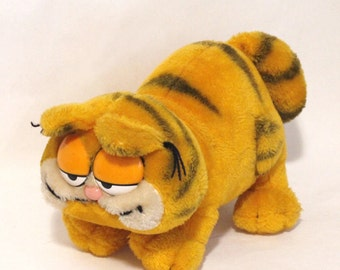 1981 Vtg Garfield The Cat Walking Plush Animal