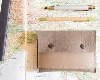 Felt and leather PASSPORT WALLET, passport case, taupe, grey, wool felt, handmade, made in Italy