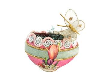 Vintage Easter Decoration - Eggshell Basket - Easter Basket - Miniature Easter Basket - Easter Egg Basket  - Free Shipping - 2HM16