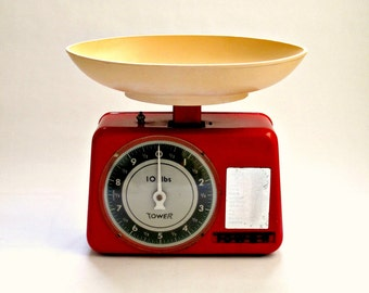 Vintage Tower Kitchen Scales in Red