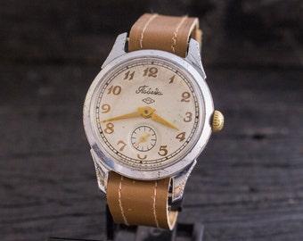 Vintage wrist watch, Vintage classic Pobeda watch, vintage men's watch, soviet mechanical watch, russian watch ussr cccp
