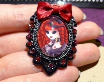 Ventruesa brooch // Swarovski crystals // victorian vampire
