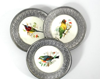 set of 3 small decorative pewter plates with bird motifs, wall plate, decorative plate, pewter plate, bird plate
