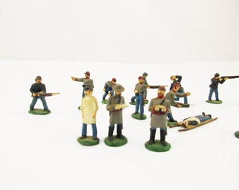 Civil War Lead Soldiers - Militaria - Hand-painted Lead Soldiers, Doctors, Injured, Fife Player, Binoculars, Etc. - The Blue and The Grey