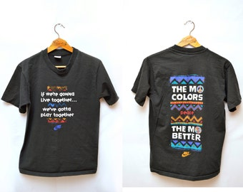 90s Nike 'Mo Colors Mo Better' Peace African Basketball T-shirt Size Medium