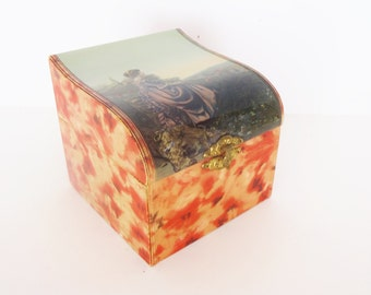 Antique Victorian Dresser Box / Collar Box with Landscape Portrait