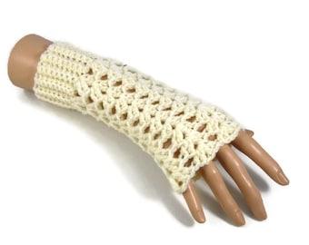 Ladies Cream Lacy Fingerless Gloves, Cream Wristwarmers, Ladies Cream Fingerless Mittens, Free UK POSTAGE