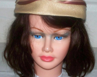1960s Straw Pillbox Hat  - Excellent Condition - Beige - Unmarked