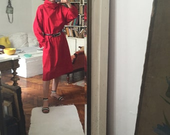 M L 80s oversized red maxi dress / avant garde mid length / a line/ sport collar cocoon sleeves/ sack dress