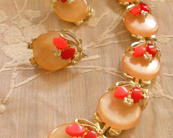 Mid-Century Peach Coral & Cherry Red Moonglow Thermoset Bracelet and Earrings - Vintage Lucite Coral Shades Gold Tone Signed Demi Set