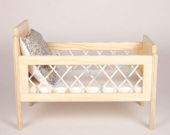 The Florence Dolls Cot (with bedding)
