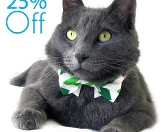 On Sale! Dog/Cat green & white chevron necktie/bowtie on a shirt style collar