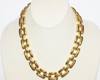 Joan Rivers Necklace - Gold Tone Link 18 Inches                                   - S1299