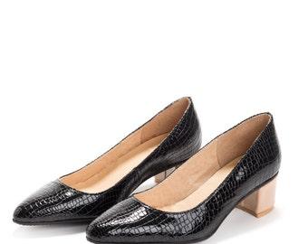 black pumps black leather heeled shoes black low heel shoes