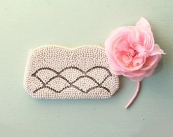 Ivory bridal clutch, Vintage wedding purse, pearl beaded clutch, Pearl bridal evening bag
