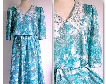 Vintage 80s Lace Collar Green Rose and Paisley Print Dress
