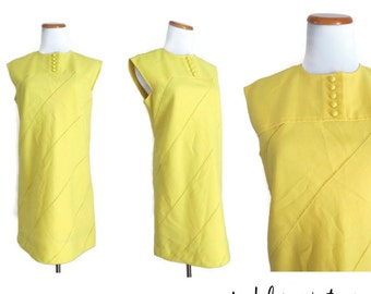 Mod Mini Dress 60s Shift Mellow Yellow Sleeveless Size Medium 1960s Go Go Twiggy