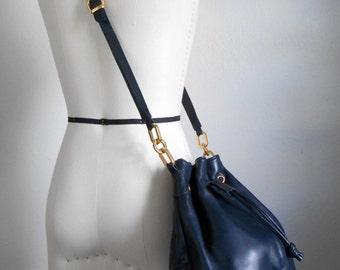 90s vintage bag - navy blue leather purse - 90s Navy Bucket leather bag