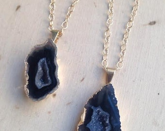 Gold Dipped Agate Slice Necklace: Natural Agate Necklace, Natural Gemstone, Black Agate Necklace, Black Agate,Geode, Gold Dipped Agate Slice