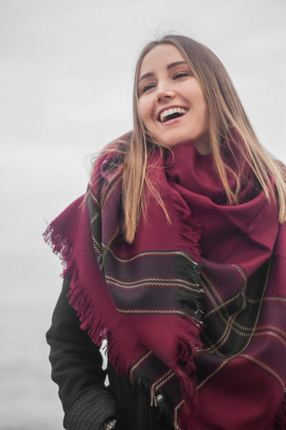 Burgundy scarf blanket scarf plaid scarf holiday fashion christmas gift fashion accessory women - Grosse echarpe plaid ...