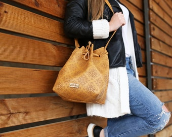 Handmade Leather Bucket Bag, Handbag, Shoulder Bag, crossbody, Tabba bucket bag, Pattern, Damask