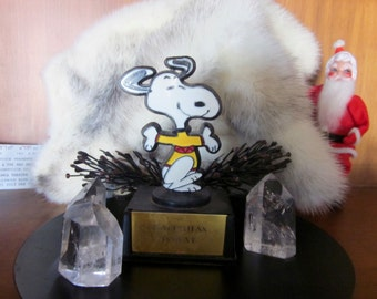 Snoopy Trophy Happiness Is Love Aviva