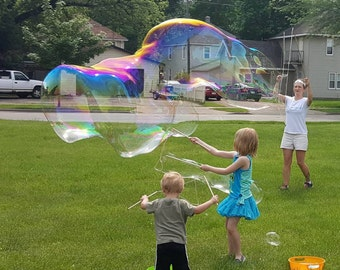 Large String Bubble Wand, Huge Bubbles, Bubbles as Long as a BUS! Giant Bubble Maker, Fun Bubbles, Big Bubbles.
