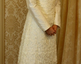 Guipure lace and silk short wedding dress
