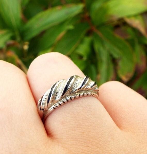 Vintage / Sterling Silver Art Deco Style Black Enamel Twist Band Ring / Size P