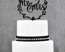 Rustic Wedding Cake Toppers, Rustic Mr and Mrs Topper, Laurel wedding cake topper with Mr and Mrs with Choice of Color and Glitter (S280)