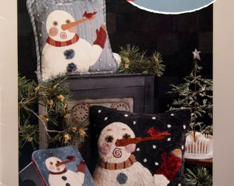 Snow Surprised By Lesa Dailey And Simply Need'l Love Applique, Wool Applique And Rug Hooking Pattern Booklet Undated