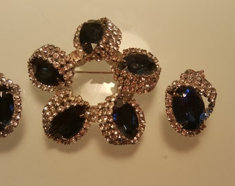 FREE  SHIPPING  Vintage Hobe Brooch andEarrings Set
