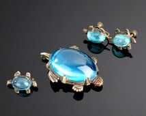 Jelly Belly Turtle Pin Earring Blue Lucite  Vintage Set