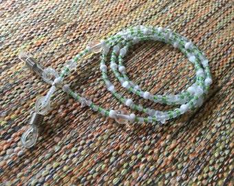 Eyeglass Lanyard~Sunglass Lanyard~White Eyeglass Chain~Beaded Eyeglass Chain~Sunglass Necklace~Beaded Sunglass Necklace