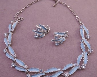 Lovely Robin's Egg Blue Necklace and Screwback Earrings Set 1950s