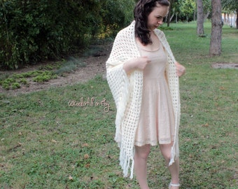 Classic And Elegant Granny On The Straight Creamy Shawl Wrap For Special Occasions