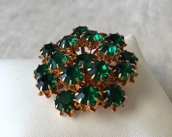 Vintage Green Cluster Rhinestone Brooch, Emerald Green Rhinestones, Round Brooch, Gold Tone, KC018