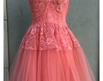 1950's Coral Pink Lace & Tulle Party Dress Medium 36-28-full
