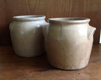 Pair of sandstone pots without lid
