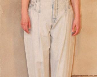 80s HIGHWAIST LooseFit Denim Pants Narrow leg ACid WAsH 1980s VINTAGE Hipster JEANS women's medium M /large L