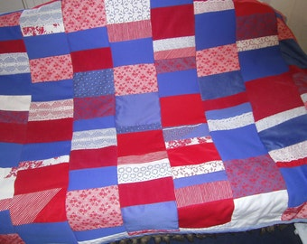 Bags Home blue red Patchwork Blanket -   Farmhouse Quilt - Patchworkblanket - Quilted Throw Blanket - Homedecor - Quilted Blanket -