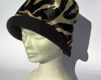 cloche retrò animal print,  20-30s vintage style hat, one of a kind cloche hat