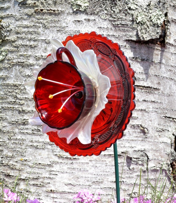 Hummingbird Red Vintage Style Outdoor Decor By
