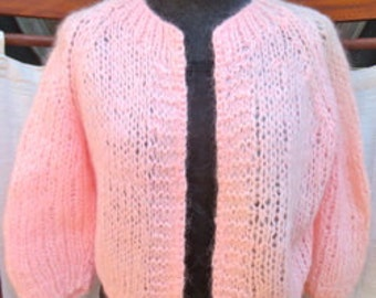 VINTAGE HAND KNITTED Mohair Sweater Size: Small SWTR044