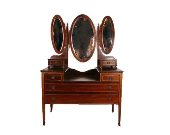 Vanity Vintage Duncan Phyfe Style Dressing Table (Restoration Needed) Will post more pictures when complete