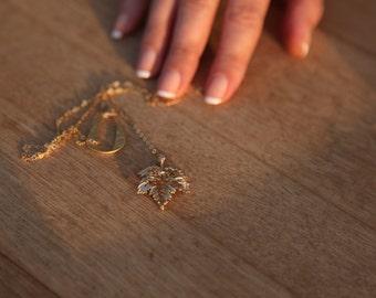 Leaf necklace,  Maple necklace, Long necklace,  Leaf lariat, Gold leaf necklace ,Leaf pendant necklace
